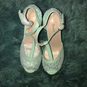 Female high heels new! Minty green